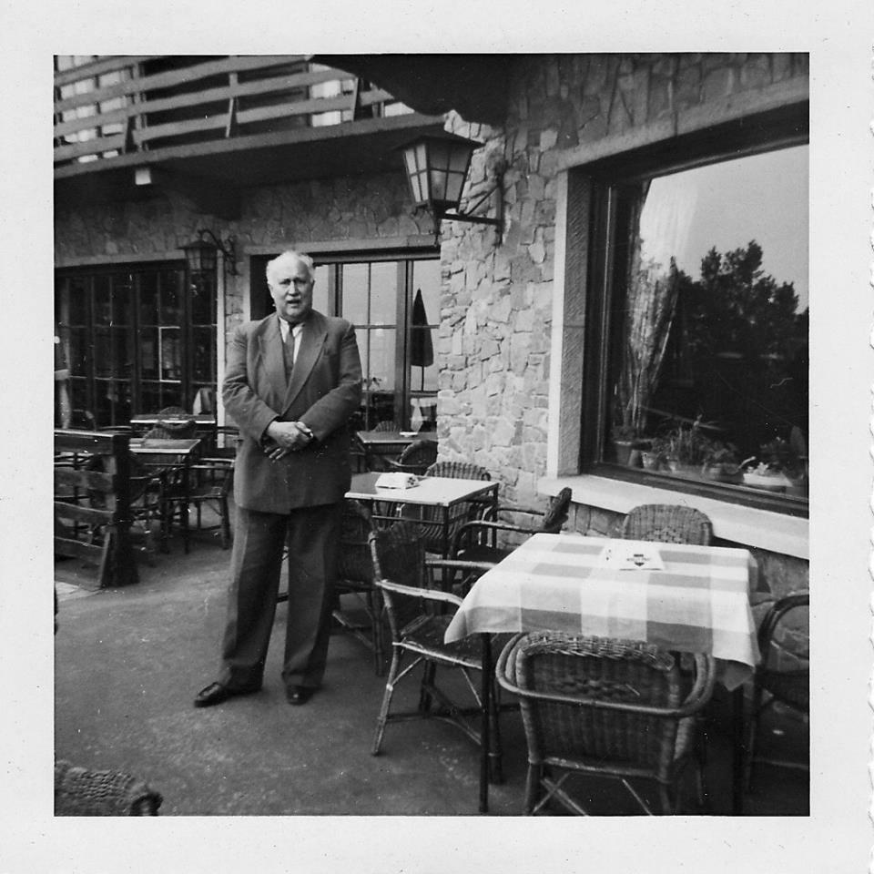 Baron Jacques Bruneel de la Warande, de toenmalige eigenaar van Hostellerie Kemmelberg