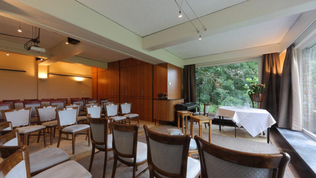 Hernieuwen van een trouwbelofte in de Jupiter-zaal van Hostellerie Kemmelberg ****.