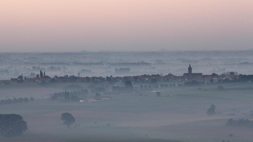 Panorama gezien vanaf de terrassen van Hostellerie Kemmelberg ****. © Philippe Vercoutter