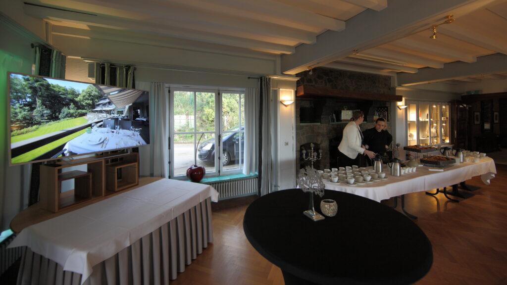 Hostellerie Kemmelberg **** biedt zowel koffietafels als formele banketten, ontbijtsessies, walking diners, brunches, enzovoort aan. Wij passen ons aanbod zoveel mogelijk aan Uw wensen aan.