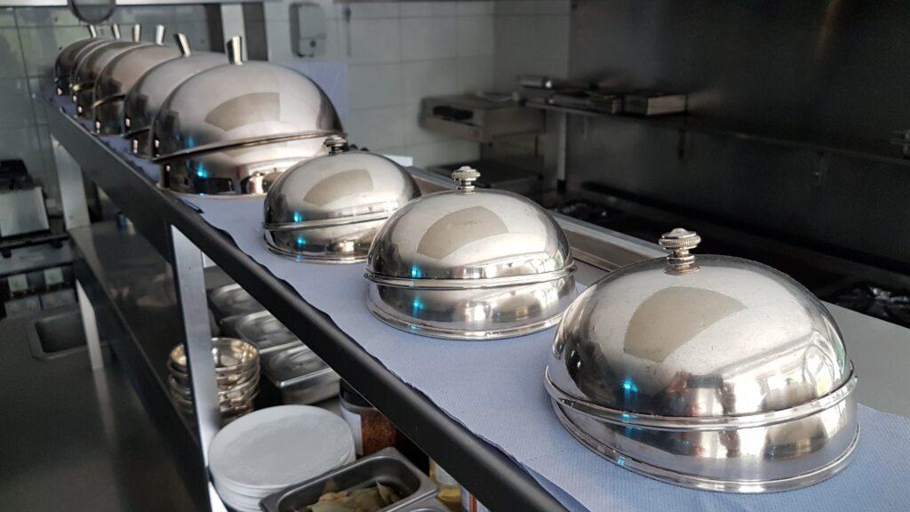 Het keukenteam van Hostellerie Kemmelberg **** brengt op een stijlvolle manier vooral een seizoensgebonden Vlaamse regionale Franse keuken.