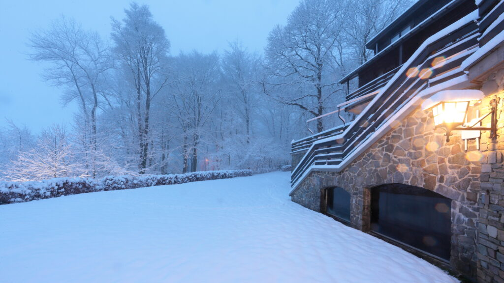 Hostellerie Kemmelberg **** in de winter. © Philippe Vercoutter