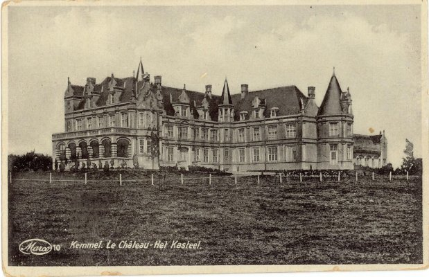 Kasteel van baron Jacques Bruneel de la Warande.